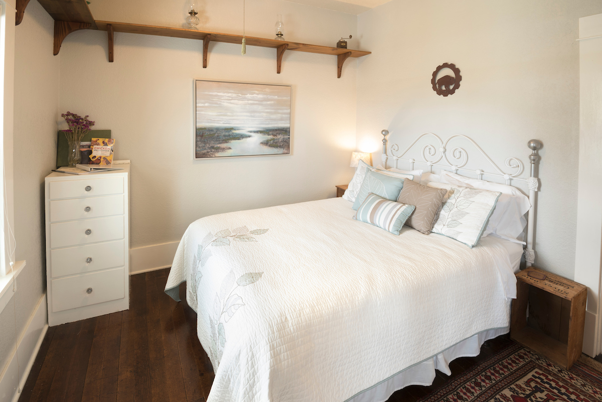 Historical Bed & Breakfast in the Wallowa Mountains, OR